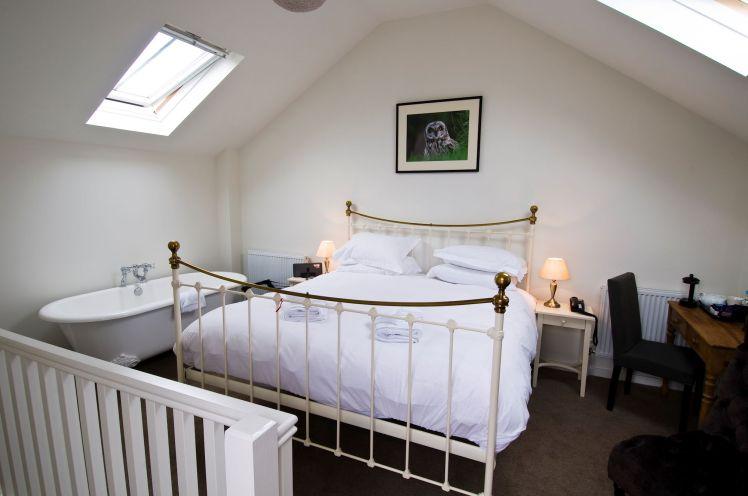 The Crown bedroom (1)