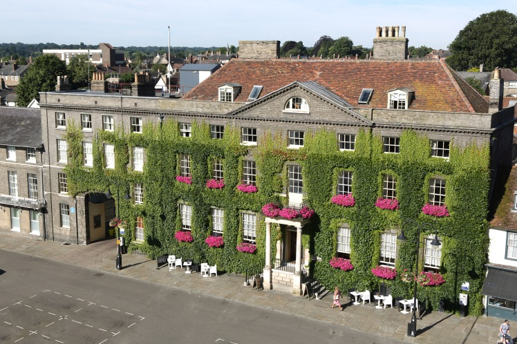 The Angel Hotel, Bury St Edmunds (med)